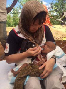 バングラデシュ避難民4(C)JRCS重度栄養失調で受診した8ヶ月男児